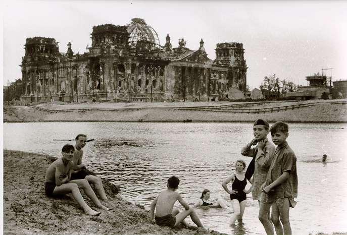 Reichstag Berlin 1945