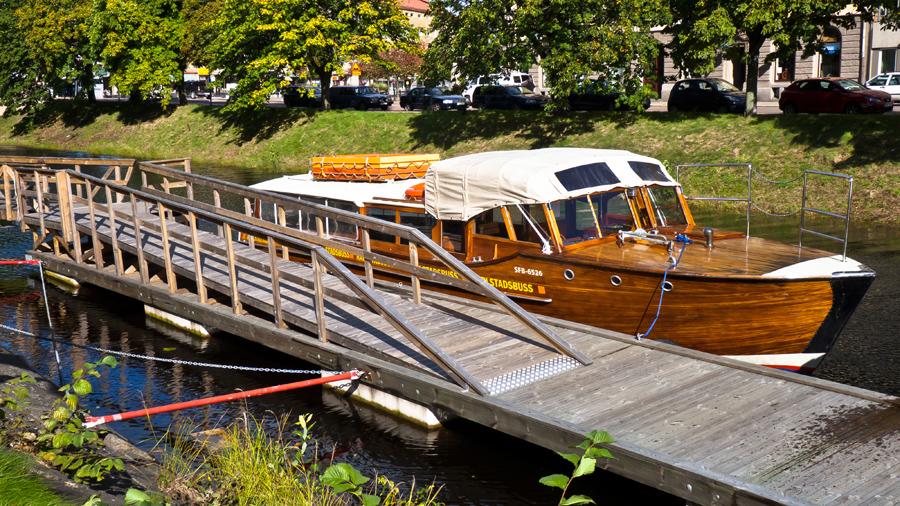 Autobus-barco en Karlstad, Suecia